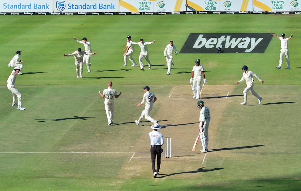 CAPE TOWN, SOUTH AFRICA - JANUARY 07: Ben Stokes and England celebrate the wicket of Vernon Philander of South Africa and winning the match during day 5 of the 2nd Test match between South Africa and England at Newlands Cricket Stadium on January 07, 2020 in Cape Town, South Africa. (Photo by Grant Pitcher/Gallo Images/Getty Images)