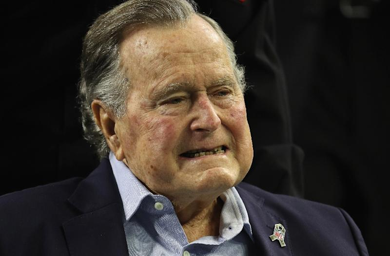 President George HW Bush has issued an apology to actress Heather Lind after she accused him of groping her at an event to promote a TV series