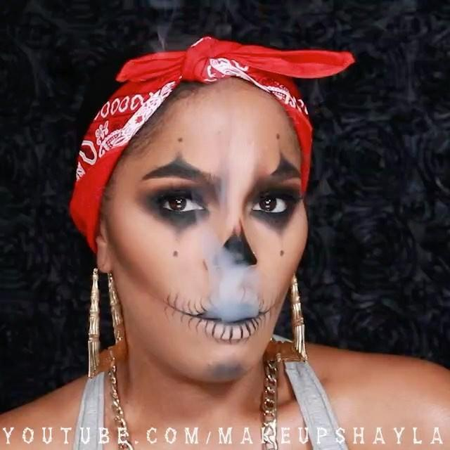 """<p>This look combines two Halloween costume favorites: <a href=""""https://www.cosmopolitan.com/style-beauty/beauty/a22617392/skeleton-skull-makeup-tutorial/"""" rel=""""nofollow noopener"""" target=""""_blank"""" data-ylk=""""slk:skeletons"""" class=""""link rapid-noclick-resp"""">skeletons</a> and clowns.<strong> Use <a href=""""https://go.redirectingat.com?id=74968X1596630&url=https%3A%2F%2Fwww.ulta.com%2Ftravel-size-tarteist-double-take-eyeliner%3FproductId%3Dpimprod2004017&sref=https%3A%2F%2Fwww.cosmopolitan.com%2Fstyle-beauty%2Fbeauty%2Fg33247158%2Fcute-clown-halloween-makeup-tutorials%2F"""" rel=""""nofollow noopener"""" target=""""_blank"""" data-ylk=""""slk:eyeliner"""" class=""""link rapid-noclick-resp"""">eyeliner</a> and <a href=""""https://go.redirectingat.com?id=74968X1596630&url=https%3A%2F%2Fwww.ulta.com%2Fmatte-eyeshadow%3FproductId%3DxlsImpprod15921122&sref=https%3A%2F%2Fwww.cosmopolitan.com%2Fstyle-beauty%2Fbeauty%2Fg33247158%2Fcute-clown-halloween-makeup-tutorials%2F"""" rel=""""nofollow noopener"""" target=""""_blank"""" data-ylk=""""slk:black eyeshadow"""" class=""""link rapid-noclick-resp"""">black eyeshadow</a> to first create the features of a skeleton</strong> (hollows of the eyes, missing nose, and teeth). Then, use the same makeup to add points above your brows and below your eyes to give it that classic clown touch.</p><p><a href=""""https://www.instagram.com/p/BMAJE9qBpFc/?utm_source=ig_embed&utm_campaign=loading"""" rel=""""nofollow noopener"""" target=""""_blank"""" data-ylk=""""slk:See the original post on Instagram"""" class=""""link rapid-noclick-resp"""">See the original post on Instagram</a></p>"""