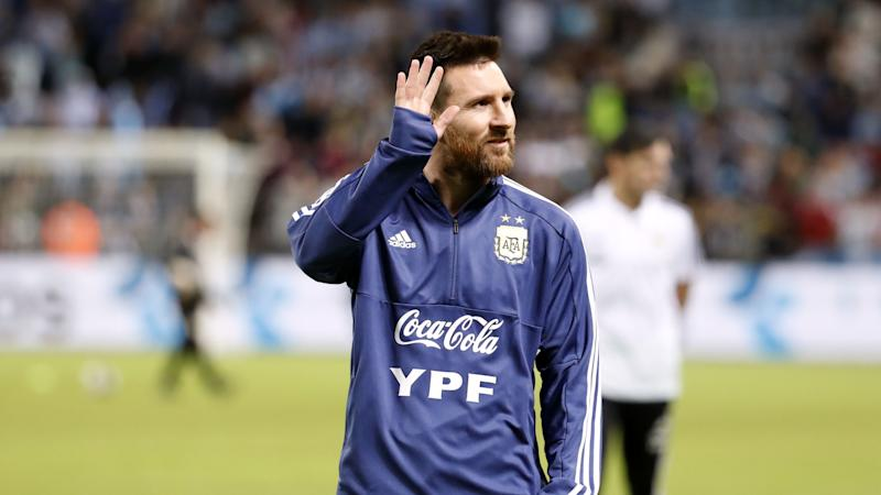 Lionel Messi stuns onlookers in Argentina by training at local gym