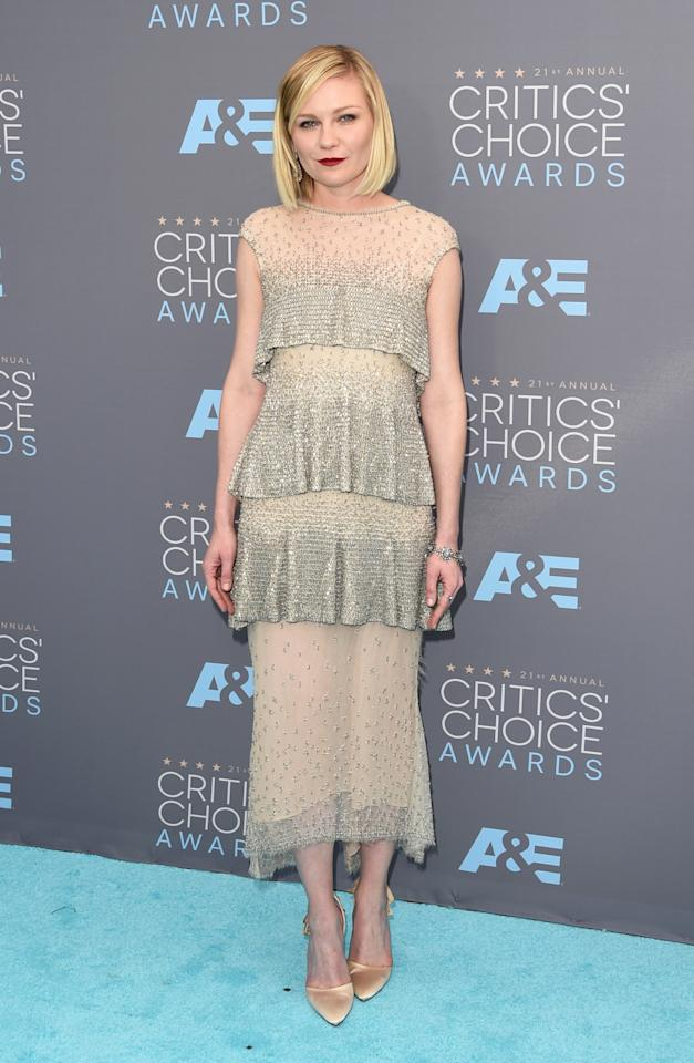 <p>Kirsten Dunst continued to kill it this awards season in a glittering couture dress from Chanel.</p>