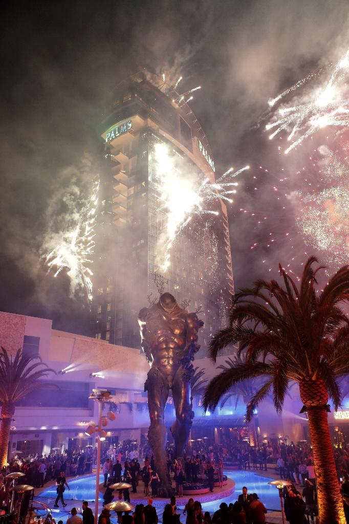 Fireworks to celebrate the new club Kaos at the Palms Casino in Las Vegas (AFP Photo/Roger Kisby)