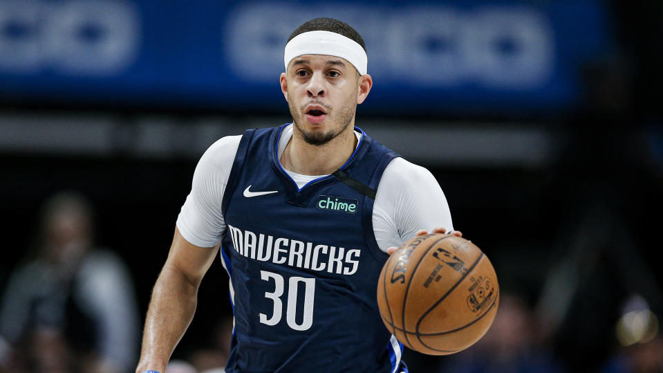 Dallas Mavericks guard Seth Curry (30) during the first half of an NBA basketball game against the Sacramento Kings, Wednesday, Feb. 12, 2020, in Dallas. Dallas won 130-111. (AP Photo/Brandon Wade)