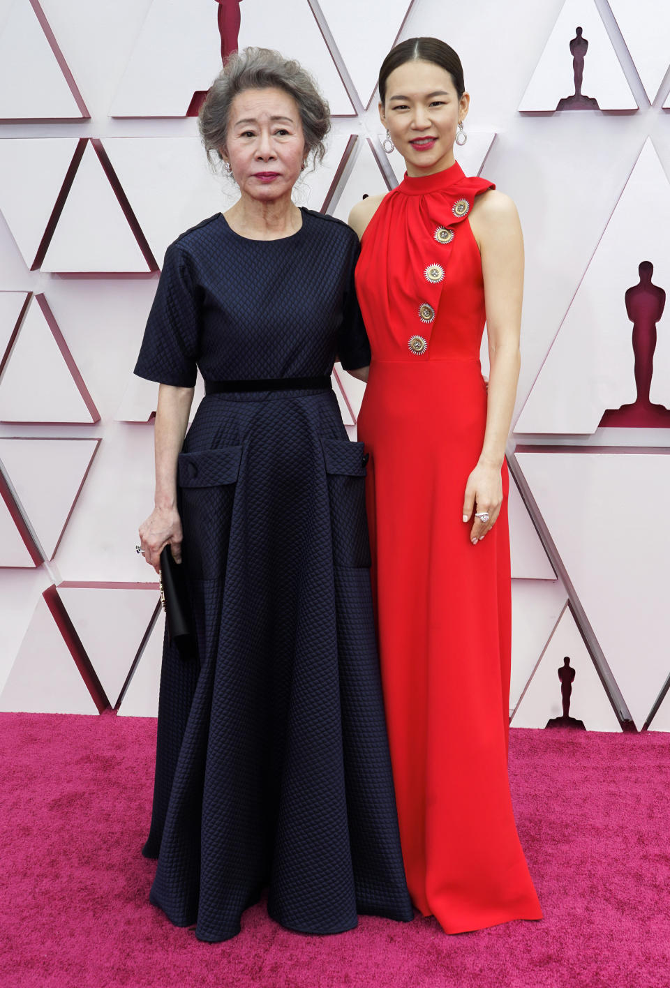 Minari's Youn Yuh-Jung and Han Ye-ri looked gorgeous on the red carpet. Photo: Getty