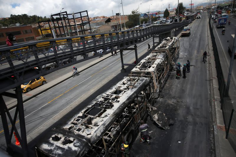 Nine dead in Colombian protests, citizens asked to stay home