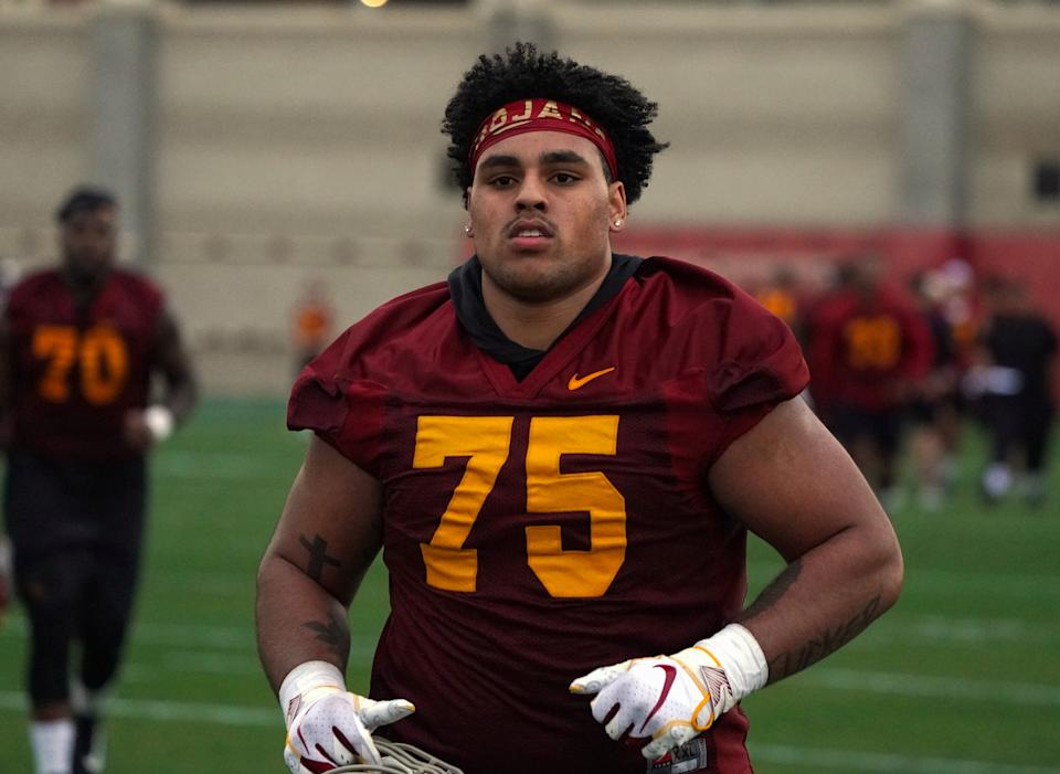 LOS ANGELES, CA - MARCH 05: USC Trojans guard Alijah Vera-Tucker (75) during USC's first spring football practice on campus in Los Angeles on Tuesday, Mar. 5, 2019. (Photo by Scott Varley/MediaNews Group/Torrance Daily Breeze via Getty Images)
