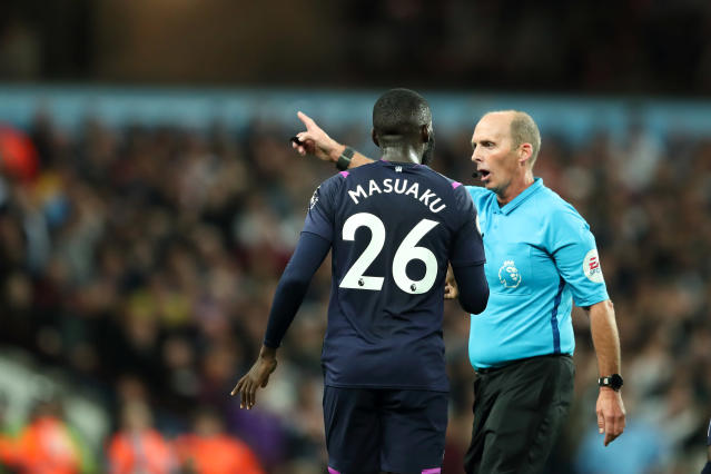 Arthur Masuaku of West Ham United is sent off by Mike Dean. (Photo by James Williamson - AMA/Getty Images)