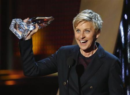 """Ellen DeGeneres accepts the award for favorite daytime tv host for her show """"The Ellen DeGeneres Show"""" at the 2014 People's Choice Awards in Los Angeles"""