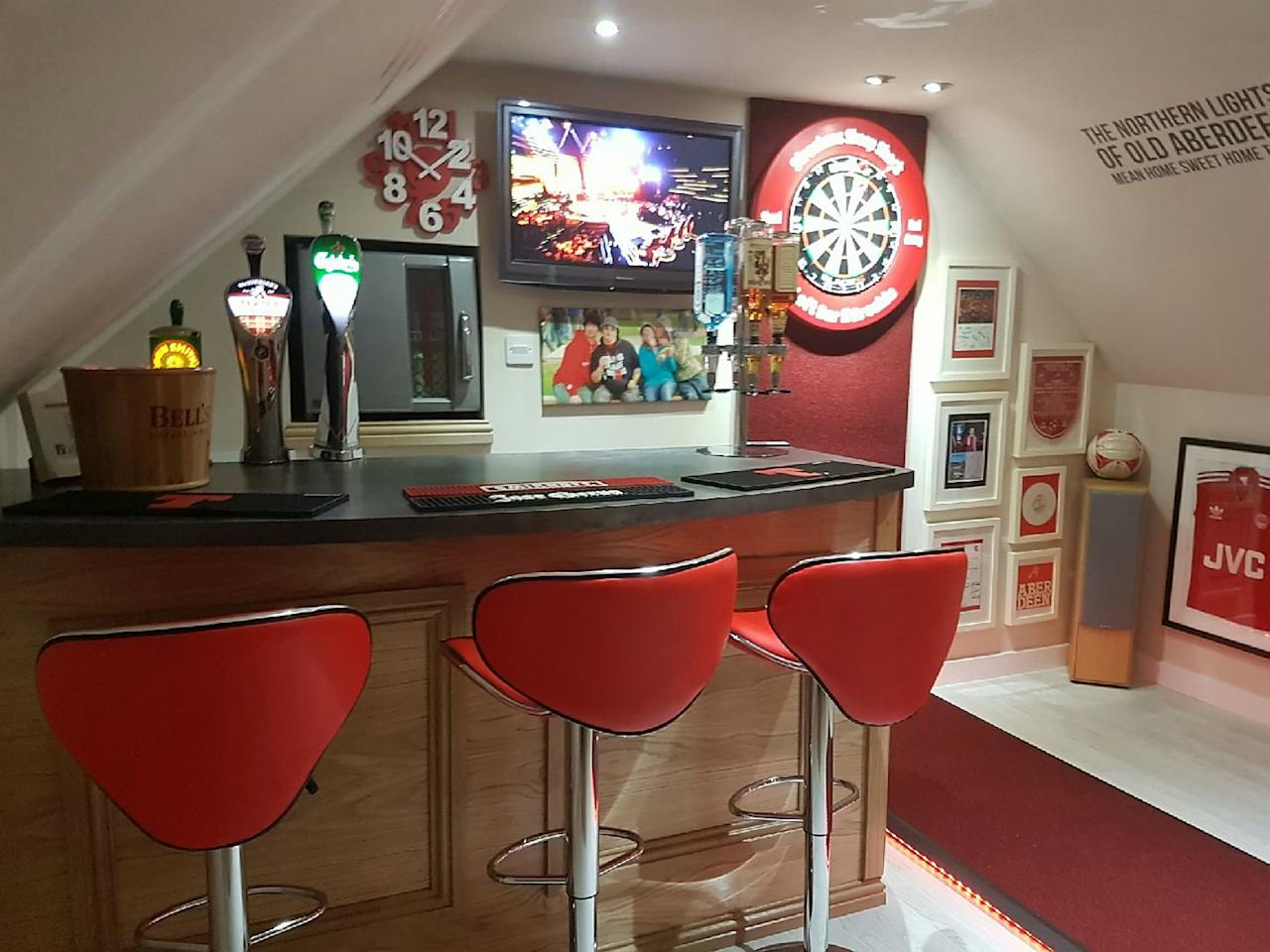 <p>His pals included a plumber, a joiner, an electrician and a painter, who helped him build the man cave over a number of weekends. </p>