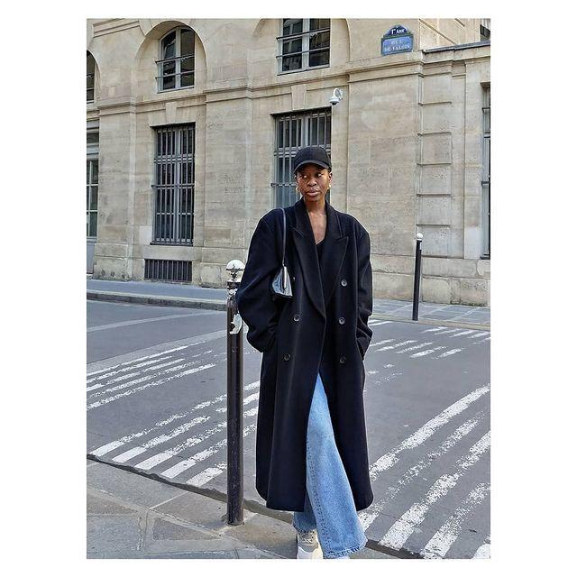 """<p>Caps are back courtesy of 1990s nostalgia and Celine's SS21 show. Plus, they are great for hiding days-old unwashed hair. </p><p><a class=""""link rapid-noclick-resp"""" href=""""https://go.redirectingat.com?id=127X1599956&url=https%3A%2F%2Fwww.everlane.com%2Fproducts%2Fwomens-baseball-cap-ecru&sref=https%3A%2F%2Fwww.elle.com%2Fuk%2Ffashion%2Fg36129428%2Fspring-outfits%2F"""" rel=""""nofollow noopener"""" target=""""_blank"""" data-ylk=""""slk:SHOP CAP NOW"""">SHOP CAP NOW</a></p><p><a href=""""https://www.instagram.com/p/CNAlLEdnj5R/"""" rel=""""nofollow noopener"""" target=""""_blank"""" data-ylk=""""slk:See the original post on Instagram"""" class=""""link rapid-noclick-resp"""">See the original post on Instagram</a></p>"""