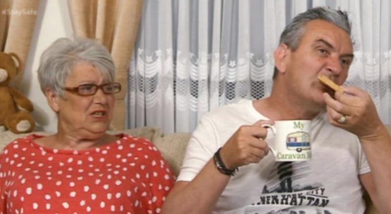 Lee was seen dunking his toast into a cup of tea on Gogglebox (Photo: Channel 4)