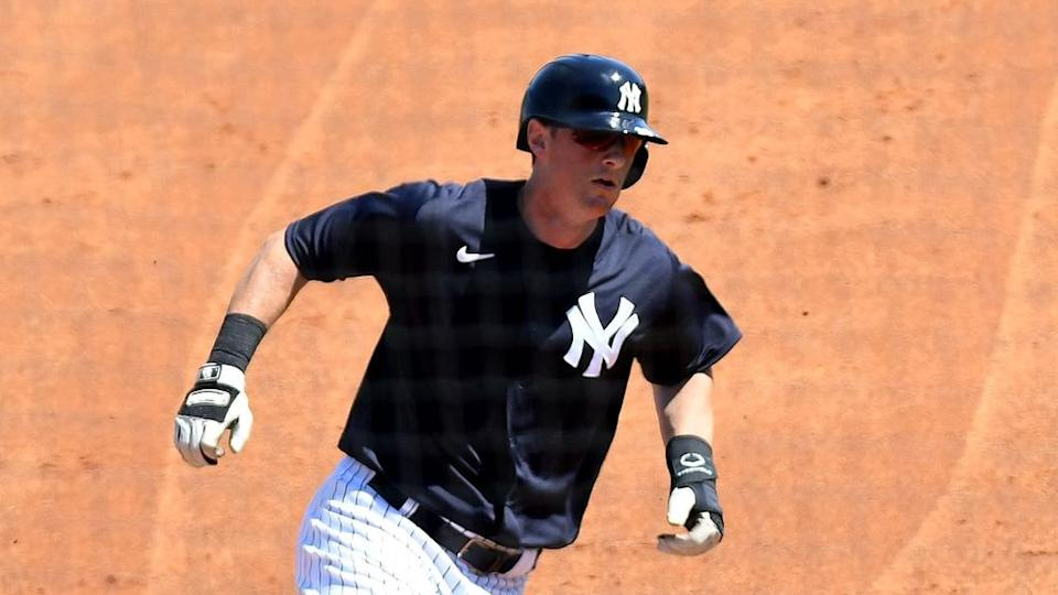 Yankees DJ Lemahieu rounds bases in spring training after home run