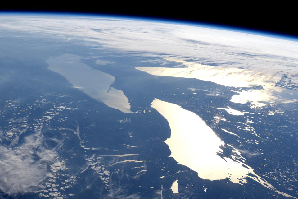 Lake Ontario and Lake Erie from the ISS - ISS031-E-123071 NASA