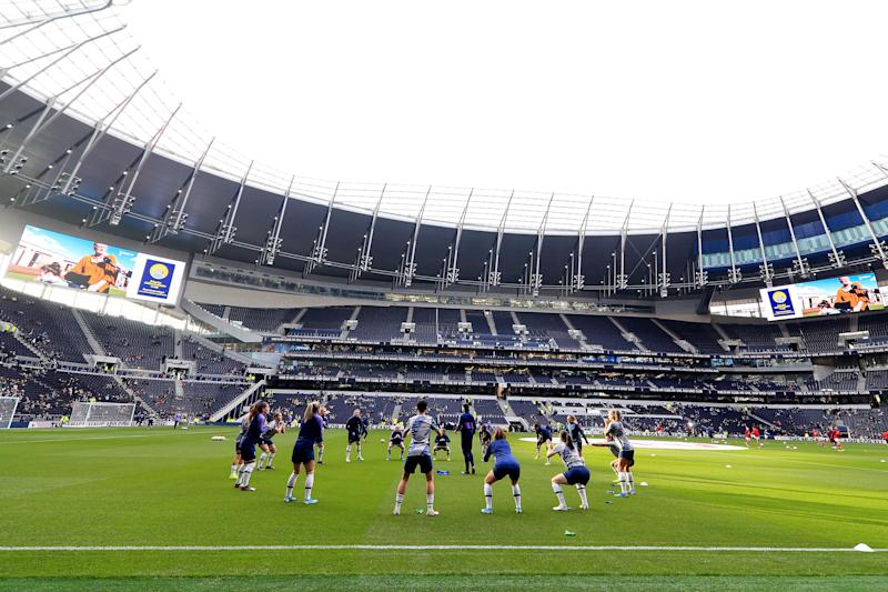 LONDON, ENGLAND - NOVEMBER 17: Tottenham Hotspur players warm up during the Barclays FA Women's Super League match between Tottenham Hotspur and Arsenal at Tottenham Hotspur Stadium on November 17, 2019 in London, United Kingdom. (Photo by Tottenham Hotspur FC/Tottenham Hotspur FC via Getty Images)