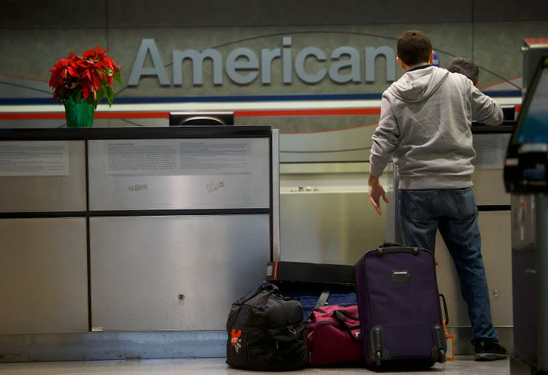 U.S. major airlines roll out more options to avoid staff lay-offs