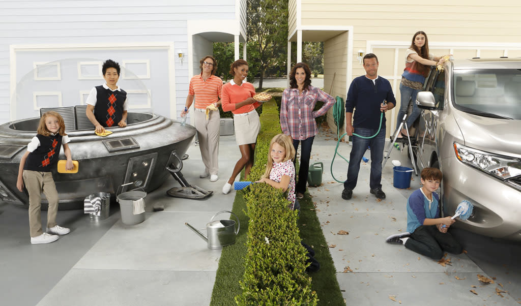 "<b>""The Neighbors"" (ABC) </b><br><br>This goofy aliens-in-suburbia sitcom got a boost by debuting after ABC's mega-hit ""Modern Family"" a couple weeks back. And though the raw numbers look healthy (9.2 million total viewers), it <a href=""http://tv.yahoo.com/news/ratings-rat-race-returning-shows-down-neighbors-opens-164051320.html"">only retained 60% of ""Modern Family's"" audience</a> -- and the fact that most critics hate it can't help. Plus, that boost won't last: These ""Neighbors"" had to pack up and move to 8:30 PM.  <br><br><b>Prognosis:</b> Likely crashing back down to Earth. Without the ""Modern Family"" golden parachute to cushion its fall, ""The Neighbors"" should be posting a ""For Sale"" sign in its front yard by midseason."