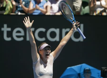 Australian Open: Kerber thumps Sharapova in third round