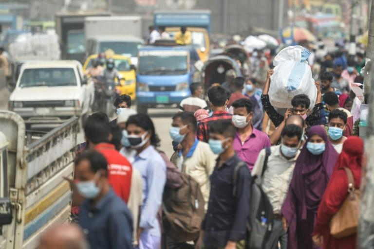 Bangladesh will shut down all transport for eight days on Wednesday, triggering an exodus of tens of thousands of people from Dhaka