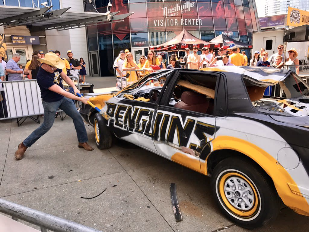 <p>Nashville's pregame tradition foreshadowed the rout that soon followed. (@reporterchris/Twitter) </p>