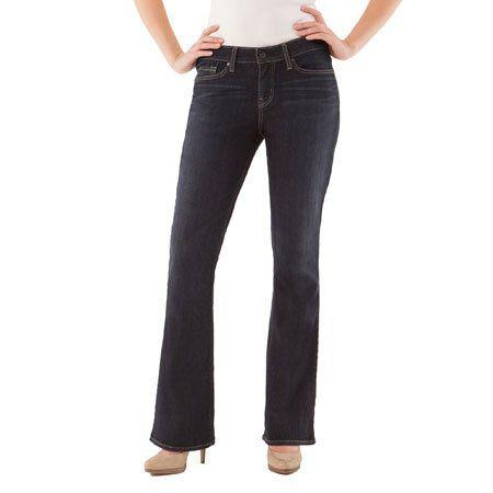 Signature by Levi Strauss & Co. Women's Modern Bootcut Jeans (Photo: Walmart)