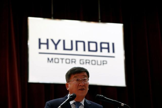 Hyundai motor kia motors flag slow sales recovery in 2018 for Hyundai kia motor finance