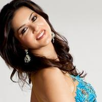 Sunny Leone Offered One Crore Rupees For Performing On New Year's Eve