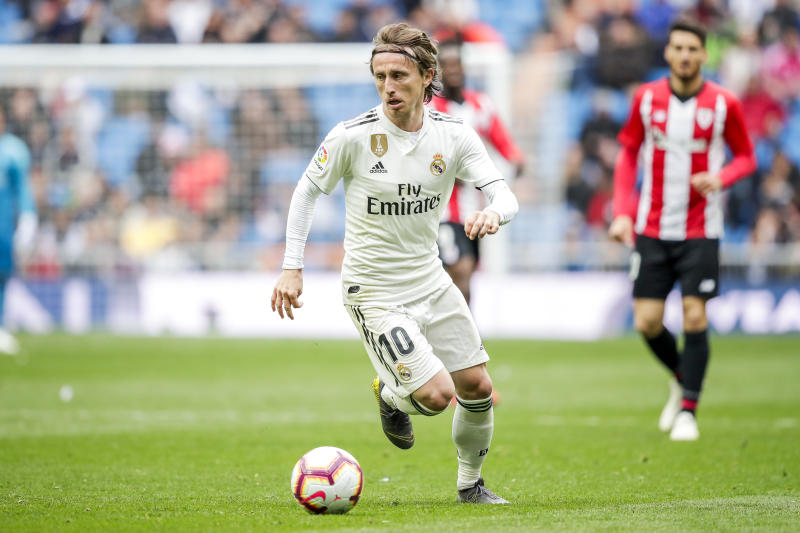 MADRID, SPAIN - APRIL 21: Luka Modric of Real Madrid during the La Liga Santander match between Real Madrid v Athletic de Bilbao at the Santiago Bernabeu on April 21, 2019 in Madrid Spain (Photo by David S. Bustamante/Soccrates/Getty Images)