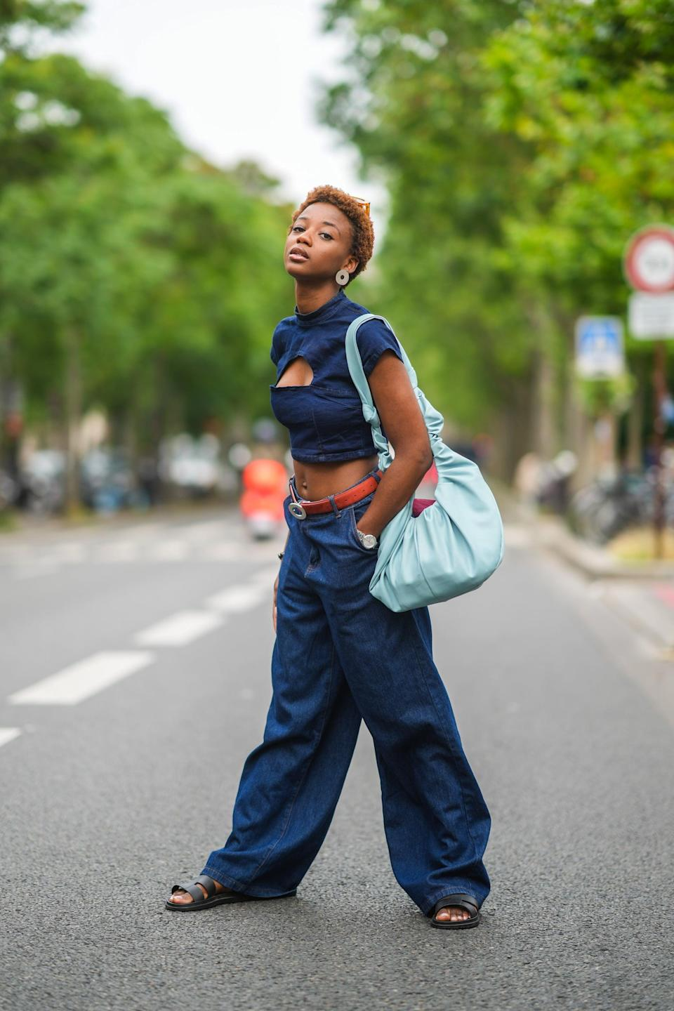 <p>Balance proportions with crop top, then add a sporty touch or chunky slides. </p>