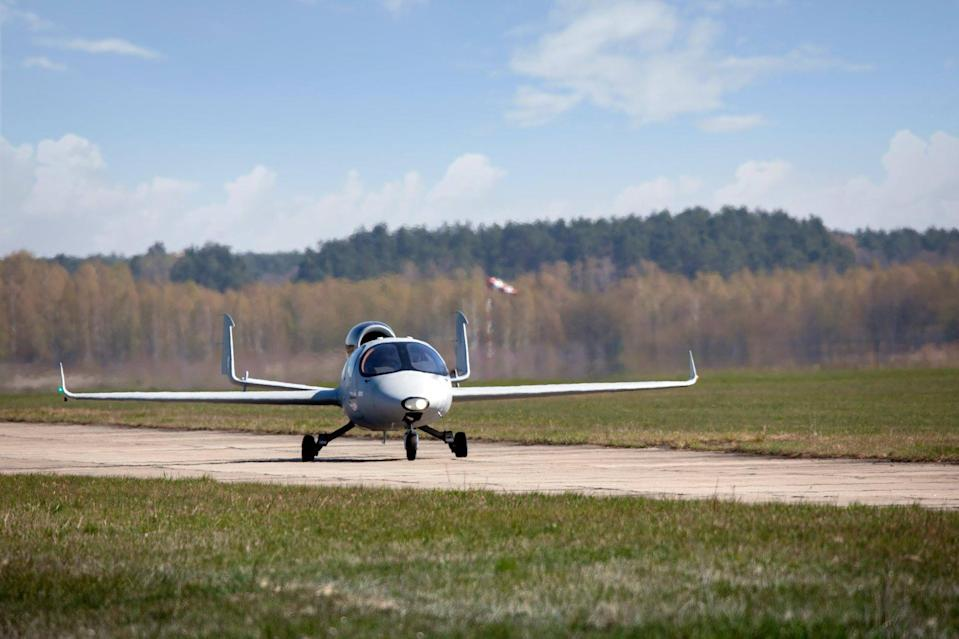 Reportedly, the jet only needs 100 metres of runway to take off. (CEN)