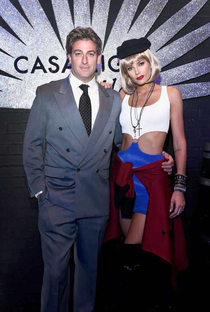 <p>Model Tori Praver's outfit looked nearly identical to the famous look Julia Roberts wore for the classic rom-com.</p>