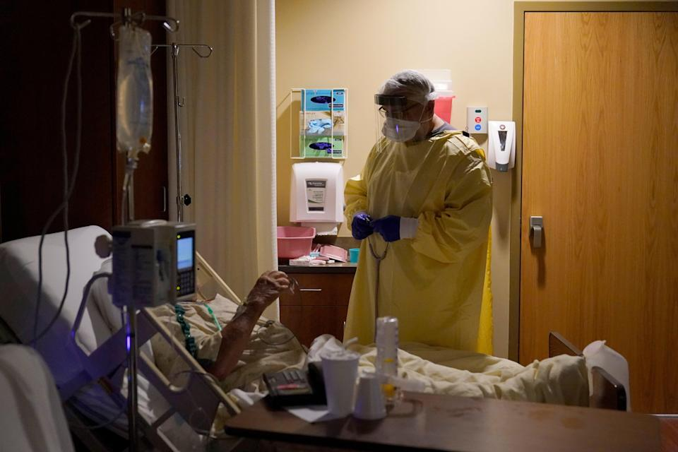 <p>The United States broke records in new coronavirus cases, hospitalisations, and deaths from the novel virus</p> (AP)