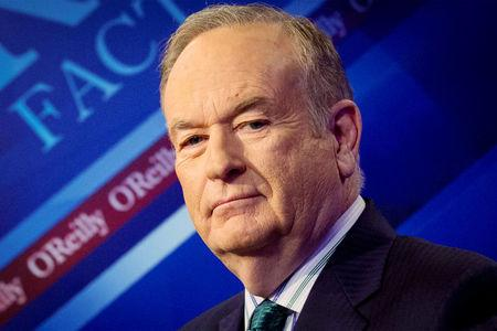 """FILE PHOTO - Fox News Channel host Bill O'Reilly poses on the set of his show """"The O'Reilly Factor"""" in New York March 17, 2015. REUTERS/Brendan McDermid/File Photo"""