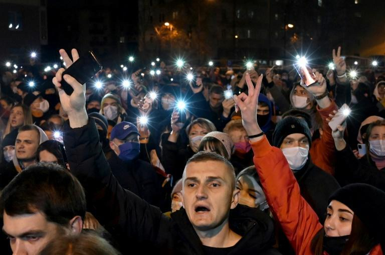 Huge crowds gathered late on Thursday to pay tribute to the artist in the 'Square of Change' where he was arrested