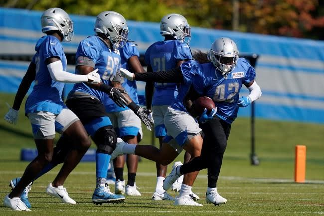 Lions sign DE Will Clark and release OG Caleb Benenoch