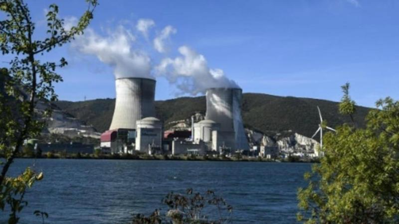 France extends nuclear reactors outage after earthquake