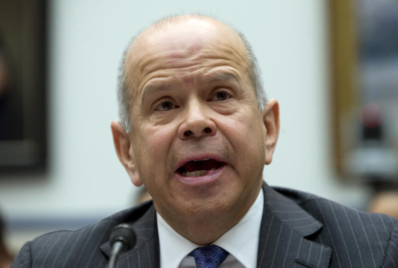FAA chief: Spending cuts could close runways