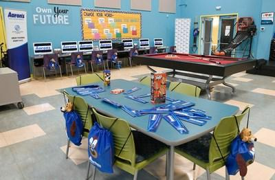 Aaron's, Inc., a leading omnichannel provider of lease-purchase solutions, and its divisions Aaron's and Progressive Leasing, surprised teens last week with a newly renovated Keystone Teen Center at the Asylum Hill Boys & Girls Club of Hartford. On Wednesday, local Aaron's associates and Club officials unveiled the new space, which is now equipped with new technology, sectionals, tables and chairs, sound systems and fresh coats of paint.