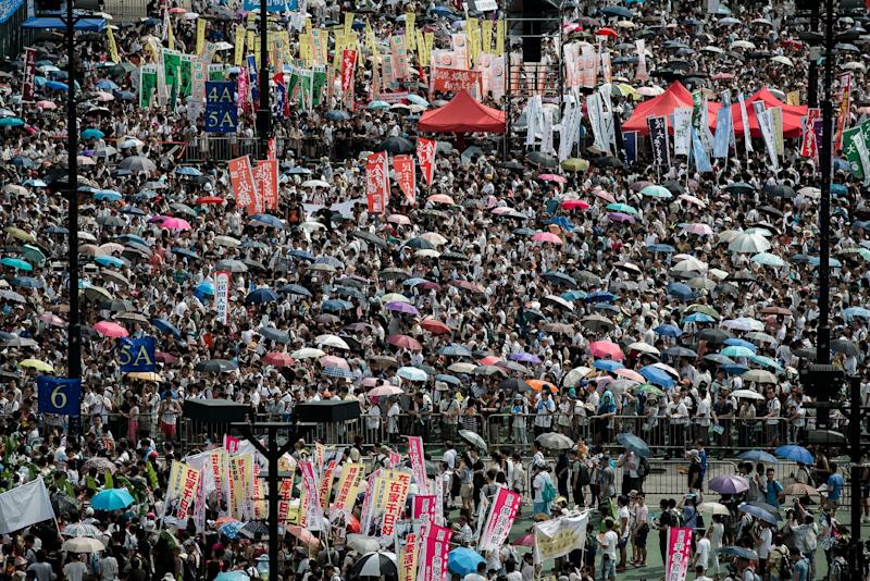 A pro-democracy rally in Hong Kong on July 1, 2014 (AFP Photo/Philippe Lopez)