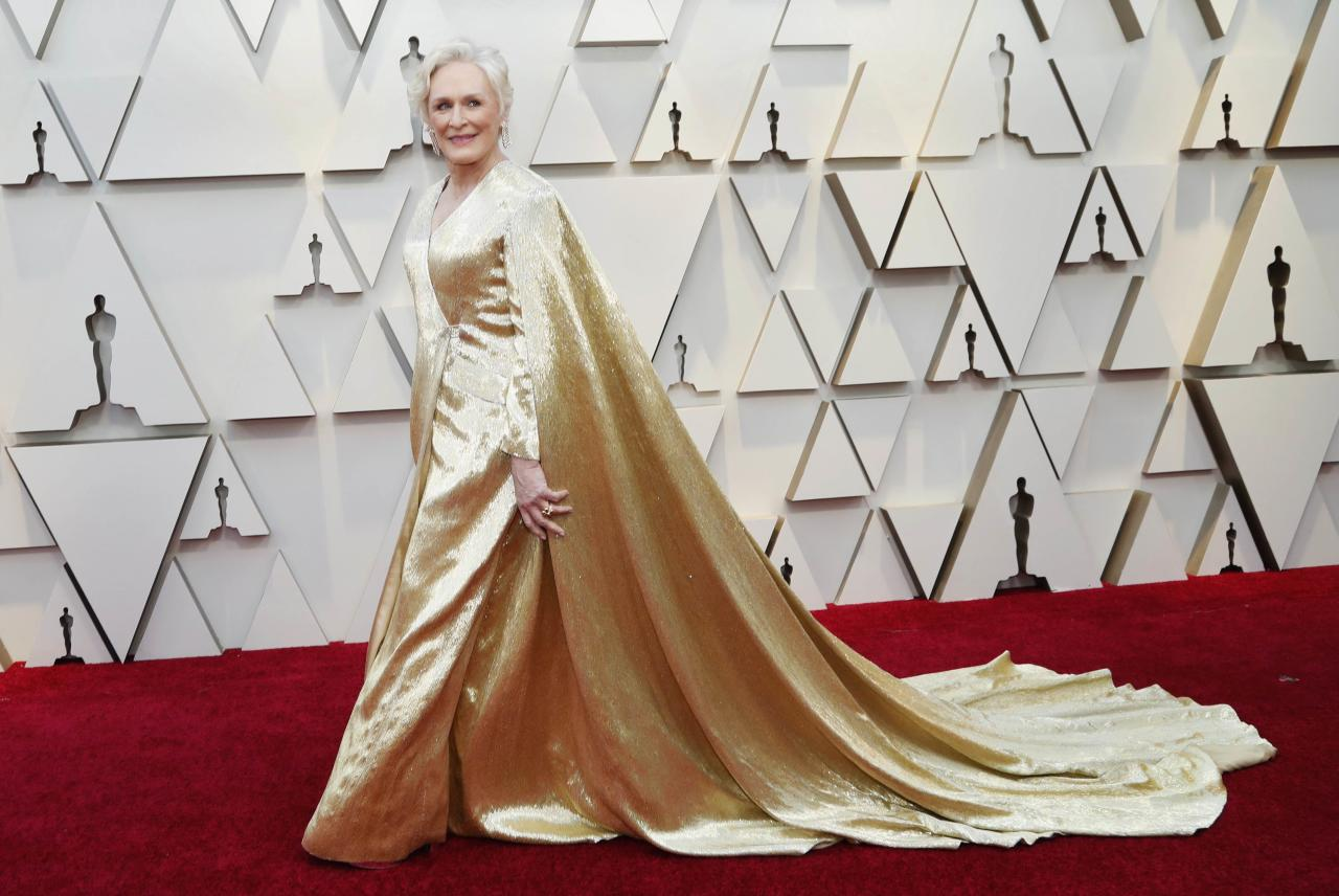 <p>This golden number weighs 42 pounds! </p>
