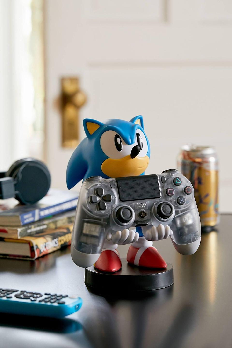<p>Gamers will get a serious kick out of this <span>Cable Guys Sonic The Hedgehog Device Holder</span> ($25).</p>
