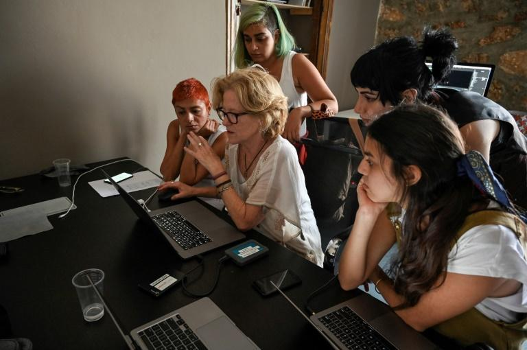 US film director Amie Williams teaches editing to refugee women on the gender equality project