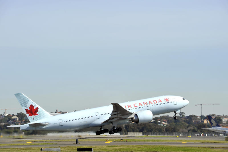 Photo of an Air Canada aircraft leaving Sydney after several passengers were injured in severe turbulence.
