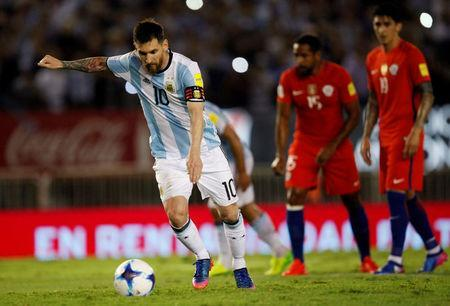 Football Soccer - Argentina v Chile - World Cup 2018 Qualifiers - Antonio Liberti Stadium, Buenos Aires, Argentina - 23/3/17 - Argentina's Lionel Messi prepares to kick a penalty. REUTERS/Martin Acosta