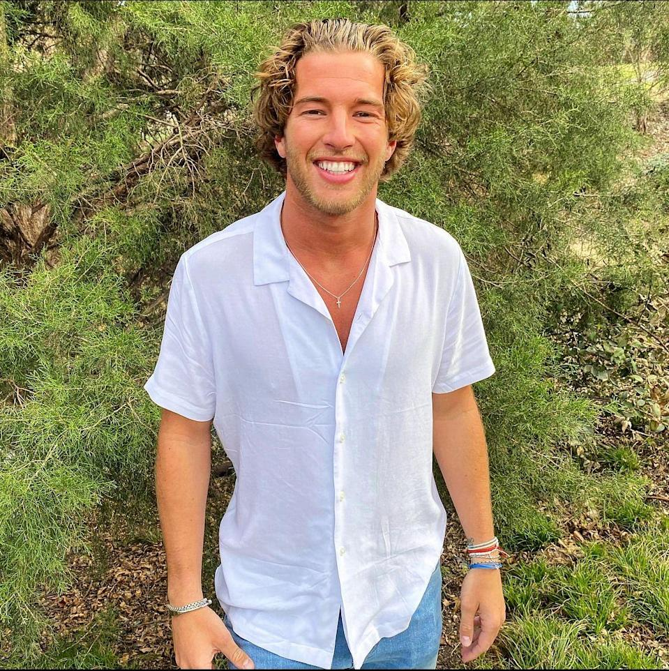 """<p>Blonde curls and a big grin are a winning combo for Landon. He's only 25 years old and among the youngest in the cast, so TBD if he's ready for marriage. He's a high school basketball coach in the Dallas area and played ball in college himself.</p><p><strong>Age: 25</strong></p><p><strong>Hometown: Bakersfield, CA</strong></p><p><strong>Instagram: <a href=""""https://www.instagram.com/landongoesling/"""" rel=""""nofollow noopener"""" target=""""_blank"""" data-ylk=""""slk:@landongoesling"""" class=""""link rapid-noclick-resp"""">@landongoesling</a></strong></p>"""