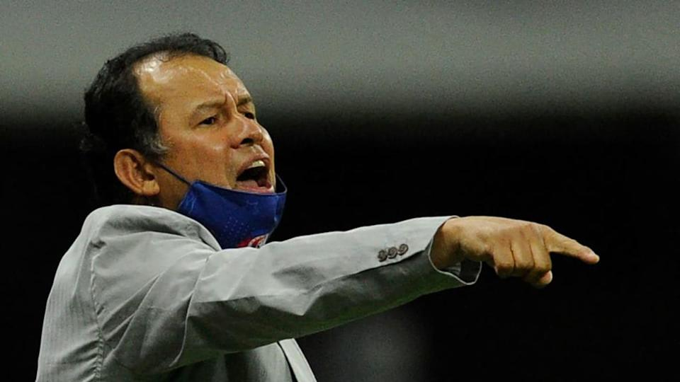 El entrenador Juan Reynoso. | CLAUDIO CRUZ/Getty Images
