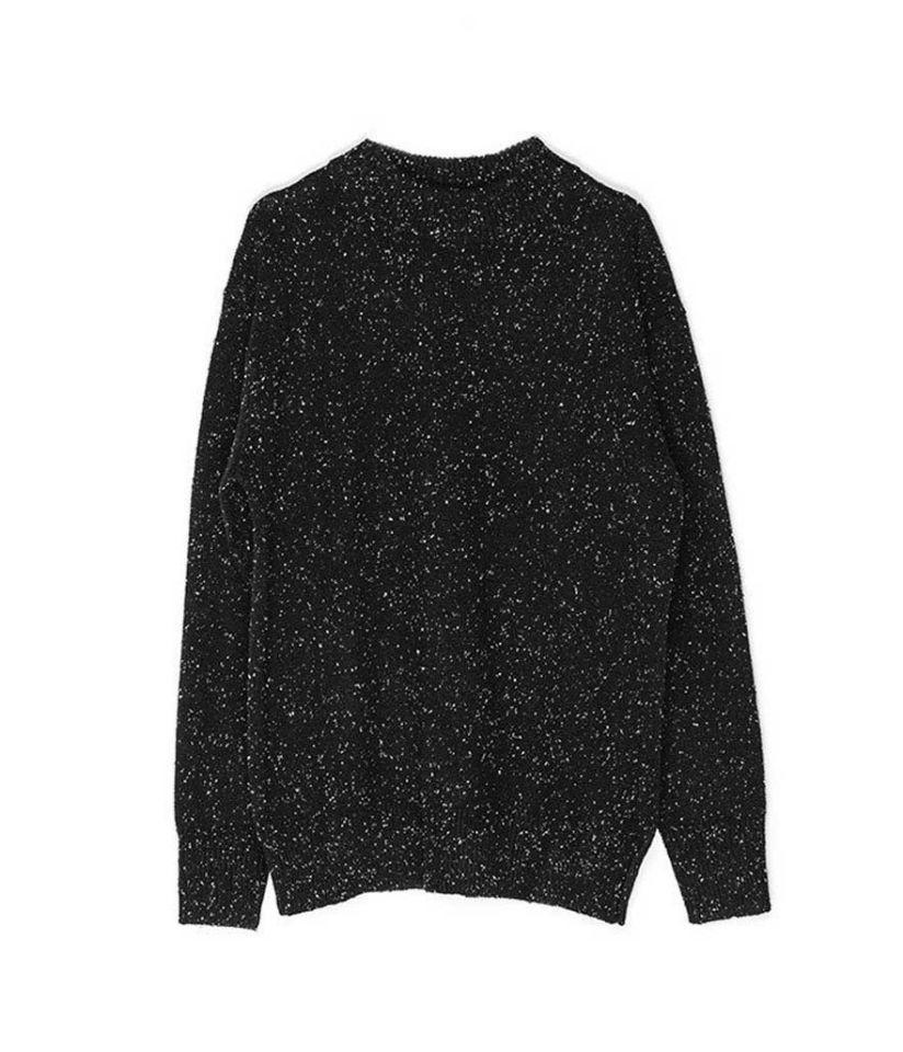 """<p>Sweater « Oversized Pullover Sweater », $160 (environ 145 €), <a href=""""http://t.umblr.com/redirect?z=https%3A%2F%2Fgenuine-people.com%2Fcollections%2Fsweaters-cardigans%2Fproducts%2Foversized-pullover-sweater%3Fvariant%3D25368177417&t=NmZiNzBmMDgyNzk4OTA0NTRkODJmYjMxY2Y5MzQyYTU1Y2IyMjdiOSx3SU54V3pDcw%3D%3D&b=t%3AK8-44vHXrcZLVYcY_d3j6A&m=1"""" rel=""""nofollow noopener"""" target=""""_blank"""" data-ylk=""""slk:genuine-people.com"""" class=""""link rapid-noclick-resp"""">genuine-people.com</a></p>"""