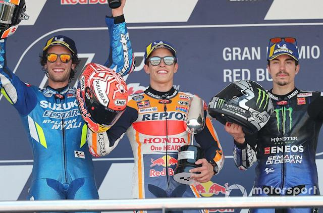 "Podio: 1º Marc Marquez, 2º Alex Rins, 3º Maverick Vinales <span class=""copyright"">Gold and Goose / Motorsport Images</span>"