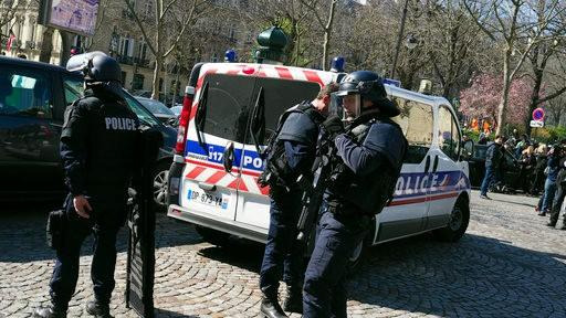 Letter Bomb Explodes at IMF Headquarters in Paris, One Injured