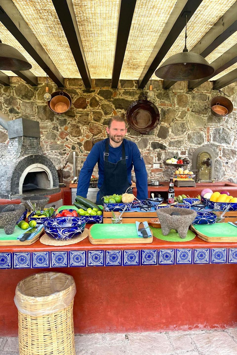 Chef at Rosewood San Miguel de Allende teaching cooking class