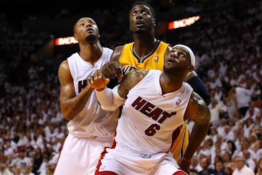 Heat rally late, beat Pacers 99-87 in Game 3